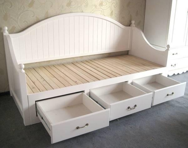 另类的几种床铺,站着睡觉的床,你愿意吗?(1)